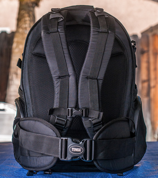 """<br><br><a href=""""http://www.tenba.com/Products/Shootout-Backpack-Medium-Black.aspx"""" target=""""_blank"""">Tenba Shootout Backpack, Medium Black <p>Back view of shoulder straps and removable waist belt. </p></a>"""
