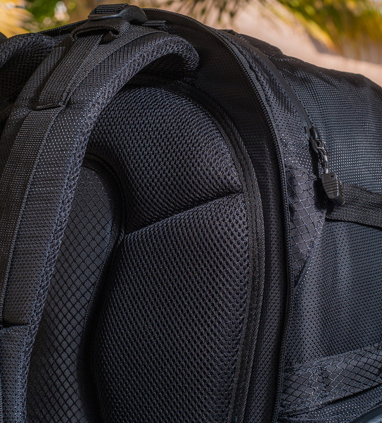 """<br><br><a href=""""http://www.tenba.com/Products/Shootout-Backpack-Medium-Black.aspx"""" target=""""_blank"""">Tenba Shootout Backpack, Madium Black  <p>Detail view of breathable mesh padding, located on the rear of the bag.</p></a>"""