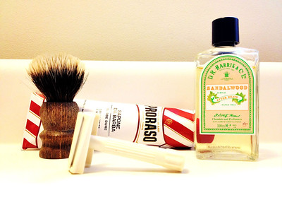 Sandalwood shave. I sensed a little menthol from the Proraso.