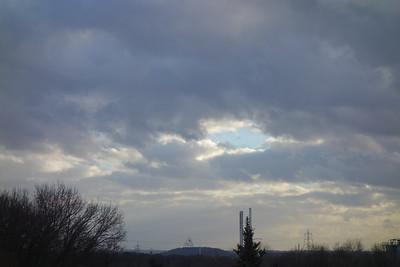 Blick auf Haldenereignis Emscherblick, kurz Tetraeder Bottrop aus Gladbeck - Foto ist unbearbeitet