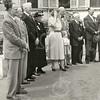 G1767 <br /> Het bezoek aan koningin Juliana door twee afgevaardigden van de 'ouden van dagen' We zien van links naar rechts: dhr. L. de Vrind, dhr. M. van Breda, dhr. P.M. Beije,  mevr. Van Klaveren-Ravensbergen, koningin Juliana, prinses (toen nog) Marijke, burgemeester jhr. mr. R. Sandberg van Boelens, dhr. C. van Velzen, dhr. F. Boot en dhr. Stolwijk. Foto: 1952.