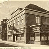 G0404 <br /> Hotel café-restaurant 't Bruine Paard,  met links daarvan de kruidenierszaak van Francken. Foto: 1928. Zie ook foto F0800.