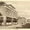 G0405 <br /> Hotel café-restaurant 't Bruine Paard. Rechts de ingang van de Kerklaan. Foto: 1928.