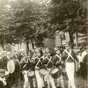 G1822<br /> Het eeuwfeest 1813-1913, het onafhankelijkheidsfeest. Kinderoptocht 18 september 1913. De 'Franse' tamboers lopen voorop, daarachter het Chr. Fanfarekorps Crescendo. Locatie: de Hoofdstraat ter hoogte van waar nu de ingang naar De Oude Tol is. Foto: 1913.