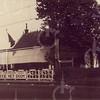 G0030 <br /> Het café Juffermans op de hoek Rijksstraatweg/Warmonderweg, Rijksstraatweg. Het woonhuis is aan de achterzijde. Het pand is inmiddels gesloopt. Foto: 1945.