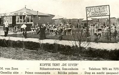 G0024 <br /> Rijksstraatweg 61. Koffietent De Uiver  van Maarten van Zoen sr. Later is de koffietent vervangen door een groter pand. Foto: eind jaren '20.