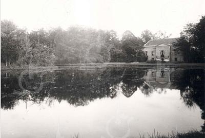 G0038 <br /> Huis Ter Wegen; de achterzijde van deze buitenplaats. Foto: ca. 1875.
