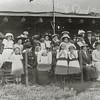 G1824 <br /> Het eeuwfeest 1813-1913, het onafhankelijkheidsfeest.  Toeschouwers op het feestterrein bij de Overplaats. Foto: 1913.
