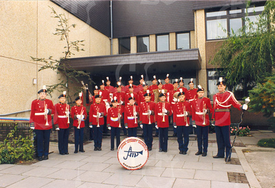 G1783 <br /> Presentatie van de jeugdafdeling van de plaatselijke drum- en showband: Jong Adest Musica. Foto: 1988.