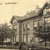 G0060 <br /> Twin's Home, de dubbele villa, die voor de bloembollenhandelaar Henri Roozen in 1890 werd gebouwd. De ene helft heette 'Bloomfield' en de andere helft 'Zomerzorg'. Foto: 1916