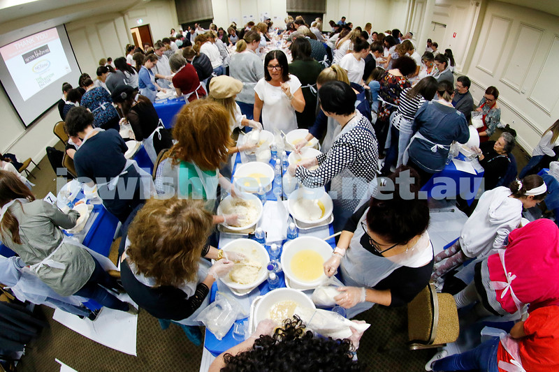 "2-5-19. Gen 2 Gen ""Braiding us Together"" Challah Bake at Caulfield Shule. Photo: Peter Haskin"