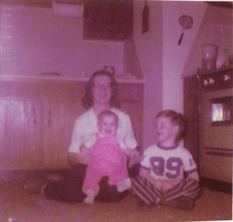 Anjia Glenn, Laura Glenn - 11 months, Wellyn Glenn 5 years1972
