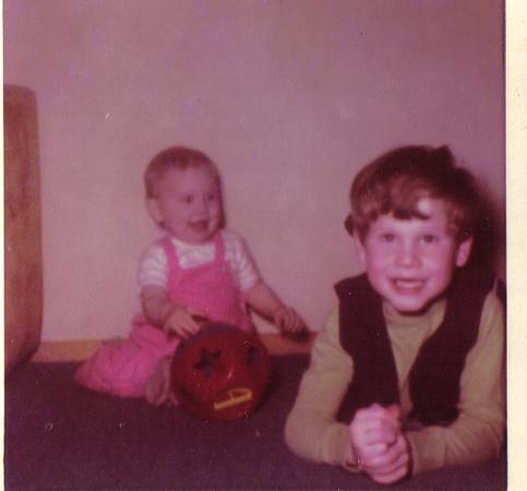 Laura Glenn - 11 months, Wellyn Glenn 5 yearsEarly 1972