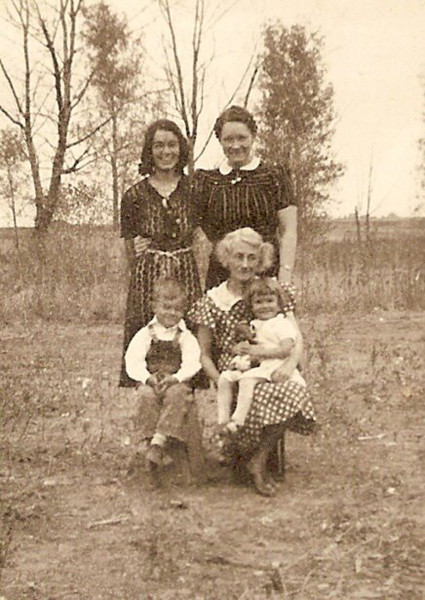 1937 - Don & Marge with Gma Pearl, Catherine and Aunt Pearl