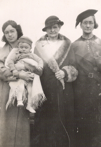 1936 - 4 Generations - Catherine with Don, Great Grandma Amanda Belle Pownell, Grandma Adelia Blanche Vollenweider