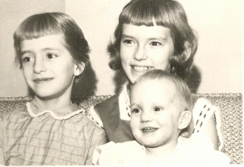 194x - Janis, Suzanne and Shari Wright