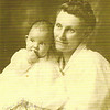 1917 - Pearl with mother, Pearl