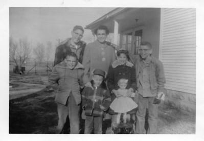 Pat Rea, Dora Rea (Day), Gail Gardner (Anderson) Arlen Zimmer -Maxine Karner's Son, Craig Anderson, Tyler Anderson
