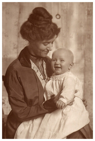 1913 Emma Whitmer Miller with son, Morris.