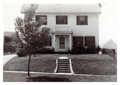 1942 The house Jane and Morris were married in:  3127 Pierce, Sioux City, IA.