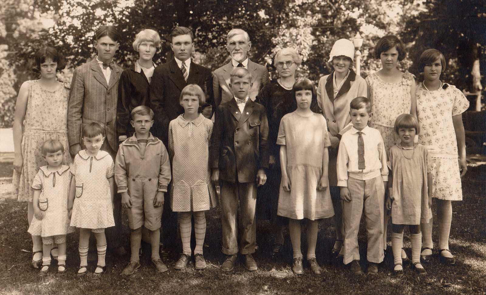 1930 Hoag Family Reunion Anna Miller is sixth from left. Edward Foster Hoag is fifth from left.  Paul Foster Hoag is fourth from left.