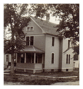 1922 Morris Miller lived in this house with his family in Luverne, MN from 1922 to 1924.