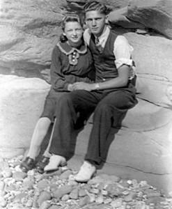 VINCENT BLANCHARD & IRENE HACHE - COTE A MARTIN GRANDE ANSE NB - 1939