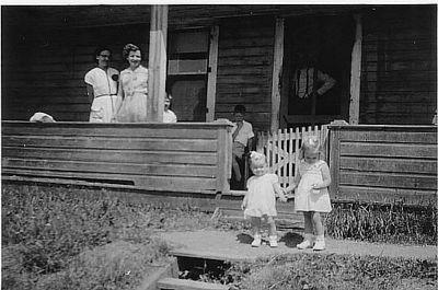 FAMILLE ET AMI.E.S ATHOLVILLE NB - 1952