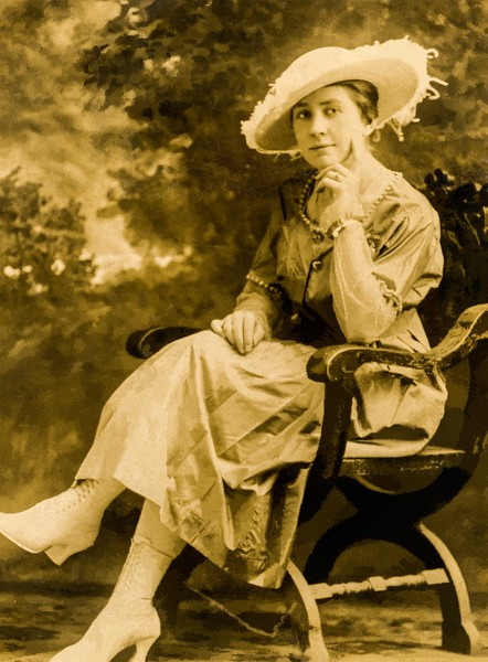 Anna Wenzel Behnke (1896-1955), ca. 1921