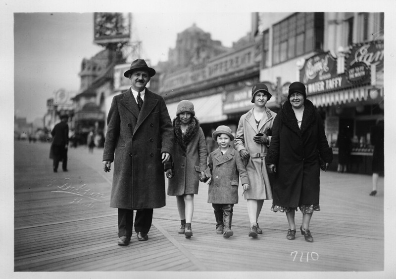 Bloom Family, c1930, Left to Right:<br /> Dave, Naomi, Daniel, Ruth, Kate Rosen