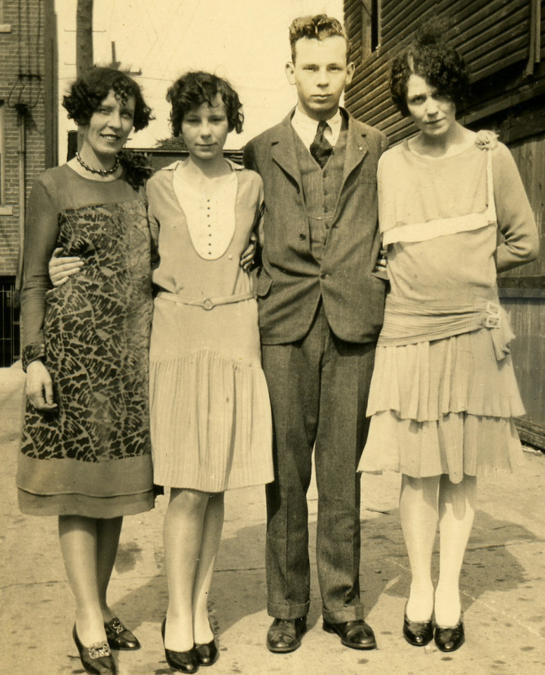 Leila, Lillian, James and Clare Caldwell 1927
