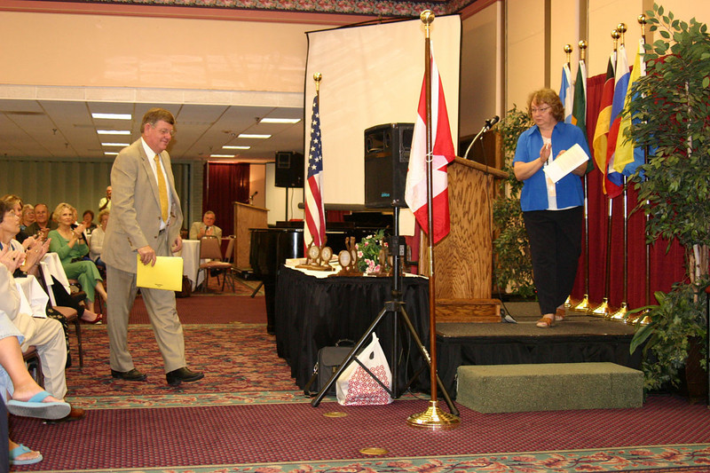 Wyoming Governor Freudenthal welcomes conventioneers