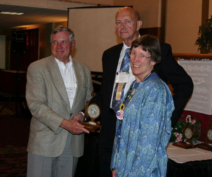 IFAHSGR honors the Sieberts.