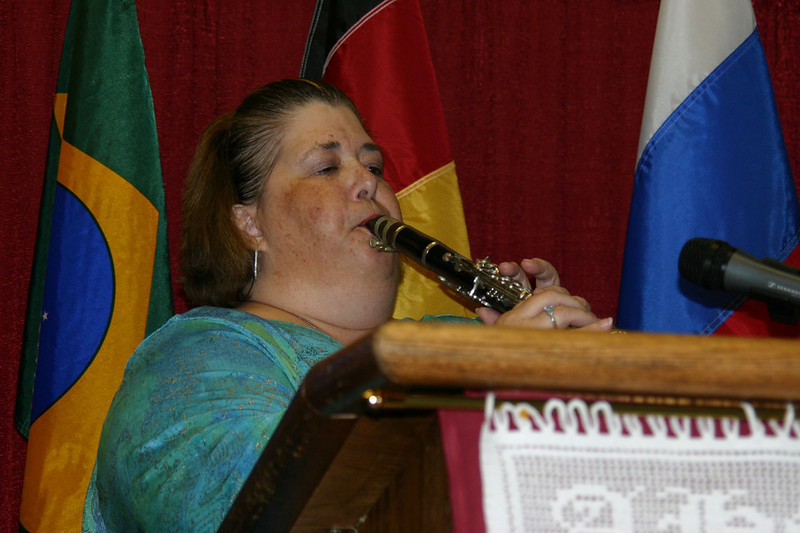 Cyndi Lesser Babish performing during the 2008 International Convention of Germans from Russia.