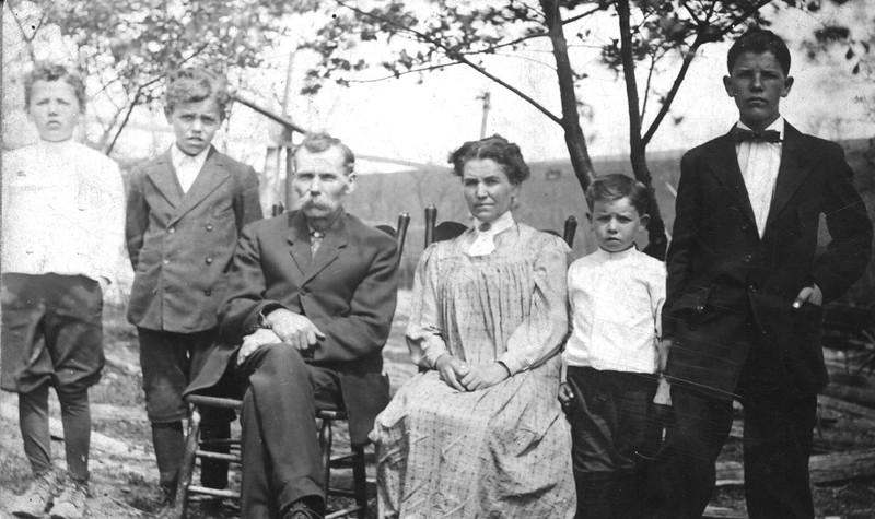 Abner & Loretta Barrett  family