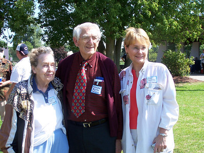 Marian Strahl Boyer, Schuyler Aijian & Betsey Demarey (Hattie's granddaughter)
