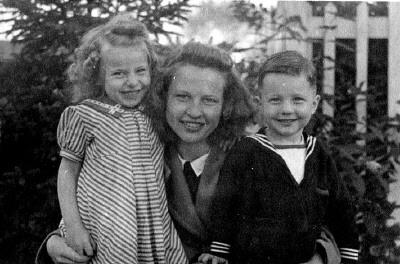 Olive Schuyler with daughter Janie (Mary Jane) & son Corkie (Clark)