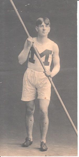 Edw C Dohm, pole vaulter