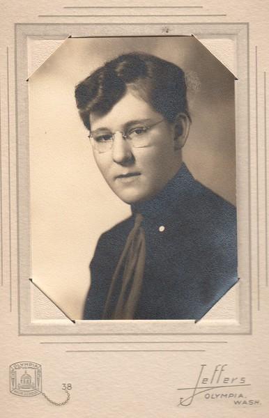 Janice Dohm, 1938