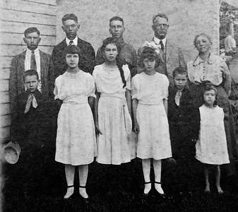 Effa Mae  and J. M. Doughetry Family Circa 1917 at Gate City at the old Hark home