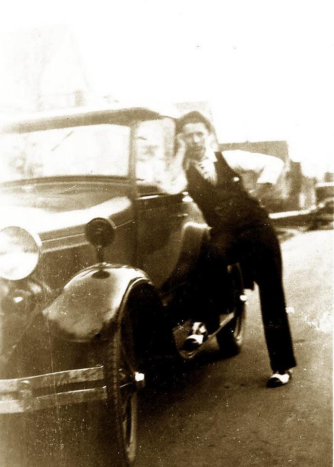 PIETRO ELLERO (1906-1994) Son of GIOVANNI ELLERO (1878-1948) and Teresa (Di Biaggio) Ellero (1877-1965). Brother of Maria (1909- ) Romano (1912-2004), Adelia (1918-2004) .