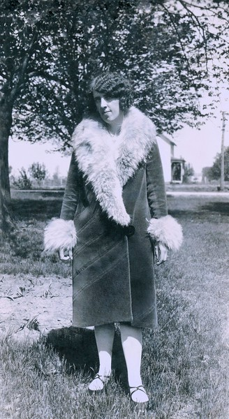oldpics210-3 eunice jarvis 1928 teacher