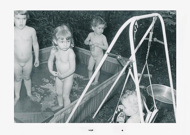 oldpics203-1 linda kimball lisa kathy kimball johnl 1957