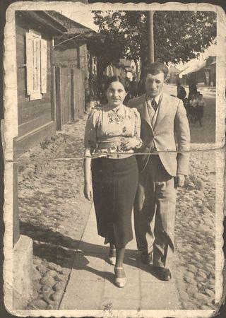 "Mendel & Frieda Feldman  ""Sweet hearts Strolling in Sokolow Podlaski Poland"" 1937 - Before WW II Scanned umodified photograph"