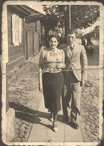 "Mendel & Frieda Feldman  ""Sweet hearts Strolling in Sokolow Podlaski Poland"" 1937 - Before WW II Scanned umodified photograph"
