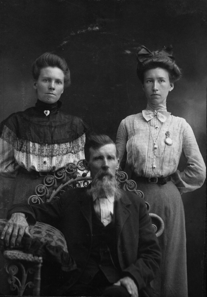 Billy and daughters