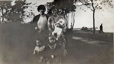 Ella, Agnes and Baby Sonny, and Bill Jr. and Dorothy Mae