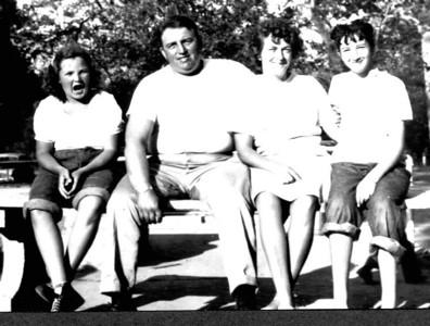 Roberta, Lyle, Jean & Annette Foote