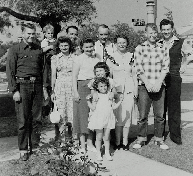 Cunningham sisters and their families in California - Ca. 1948