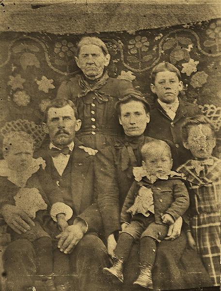 Family of Elisha and Eliza Galey - Ca. 1904